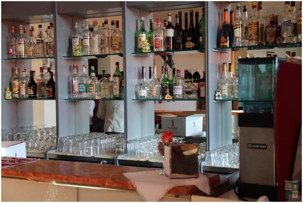 sala-bar